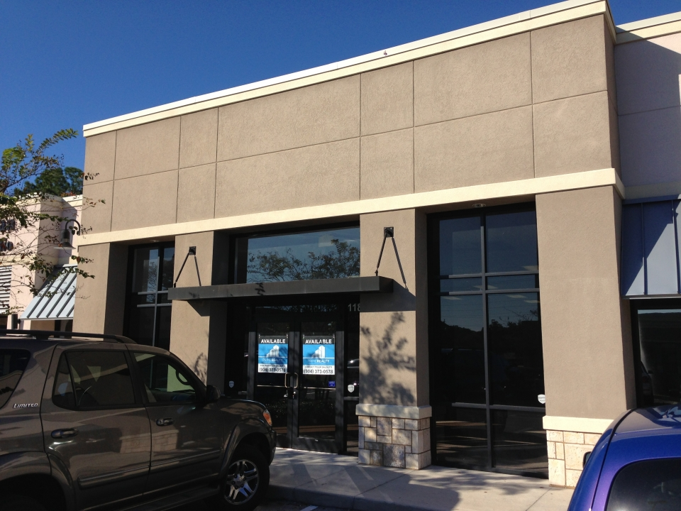 Prime Realty's Austin Kay Negotiates the Sale of a Retail Suite